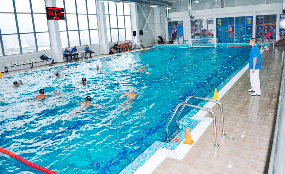 Нов плувен басейн