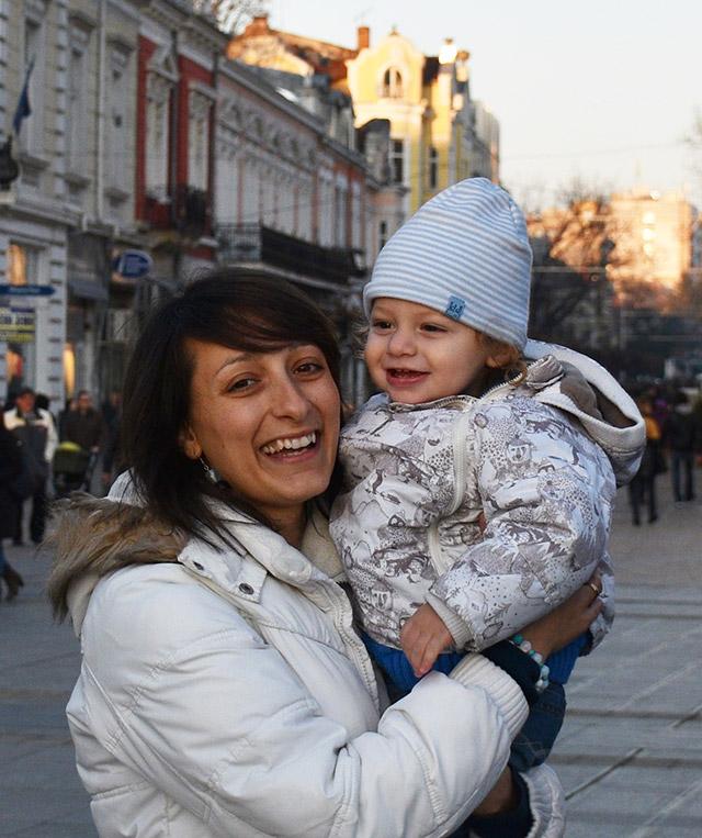 Майка с дете в Русе