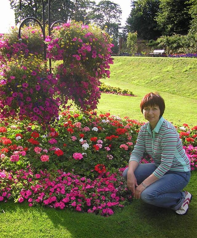 Цветя в английски парк