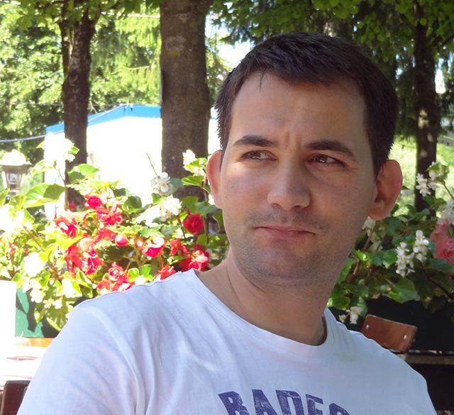 Българин в Мюнхен в бирена градина