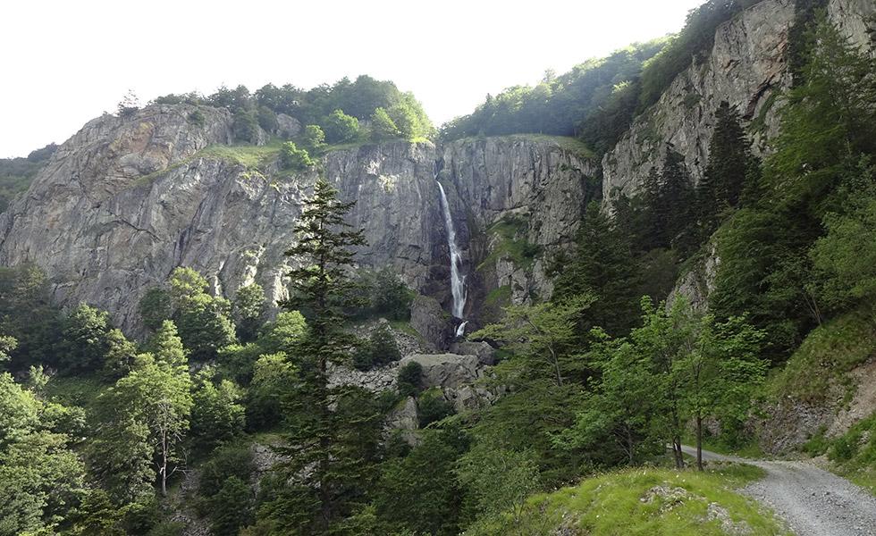 Красотите на България - водопад в Стара планина