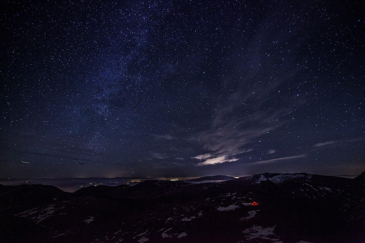 Млечен път над езеро Тевно