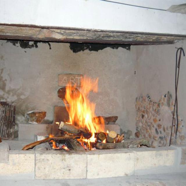 Огън от камина