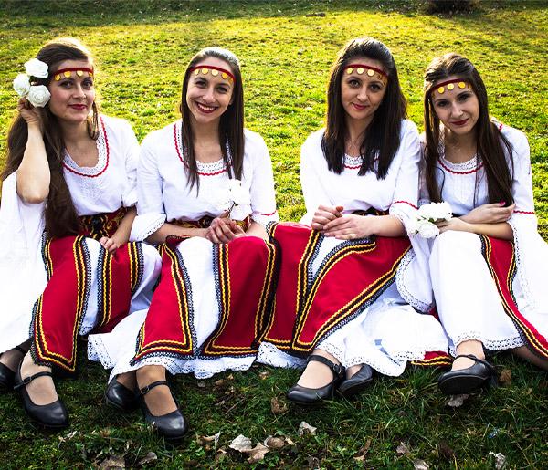 Български национални носии