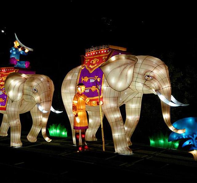 Статуя на слон