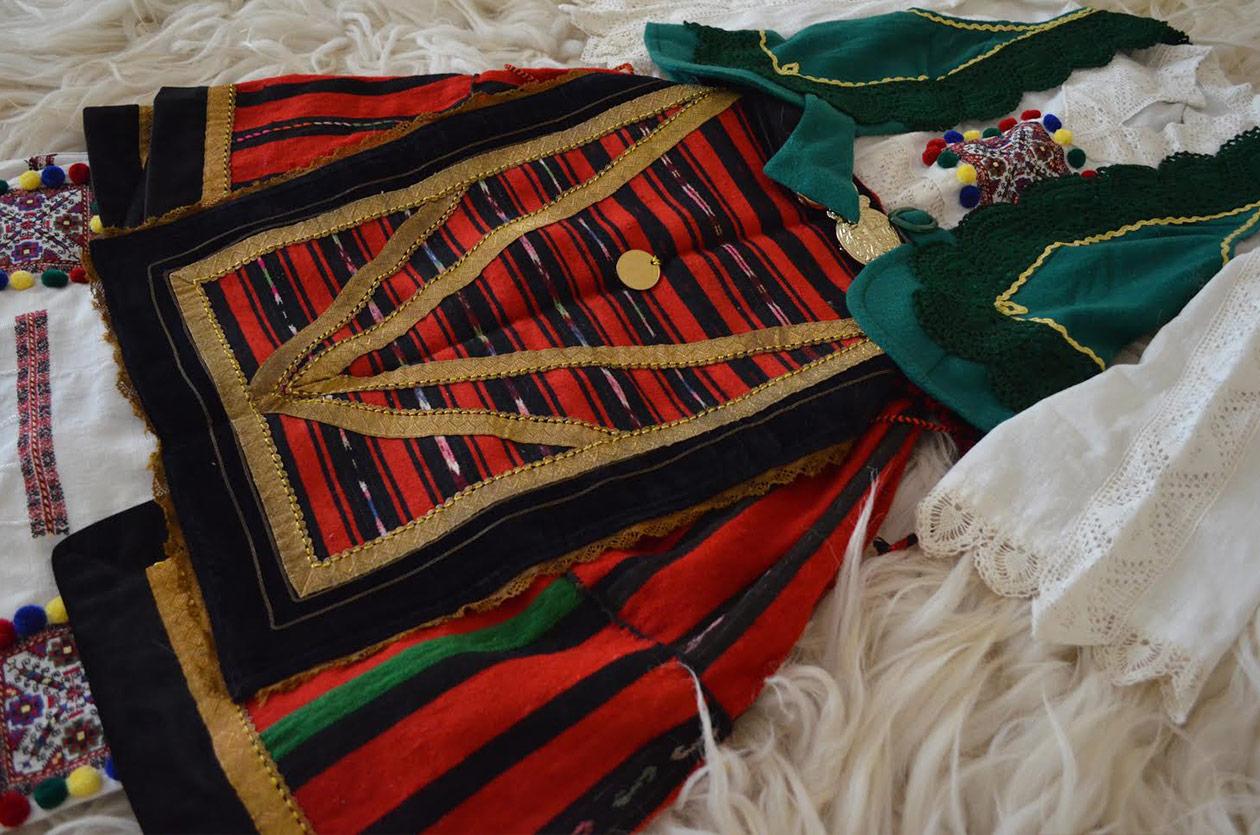 Българска носия от южна България