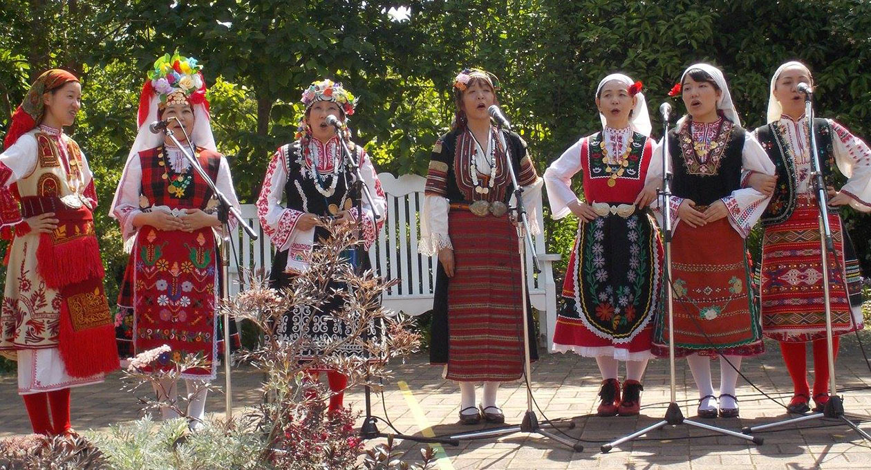 Български хор в Япония с японки