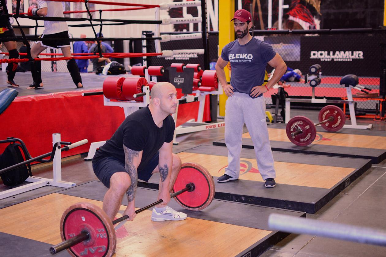 Фитнес зала инструктор