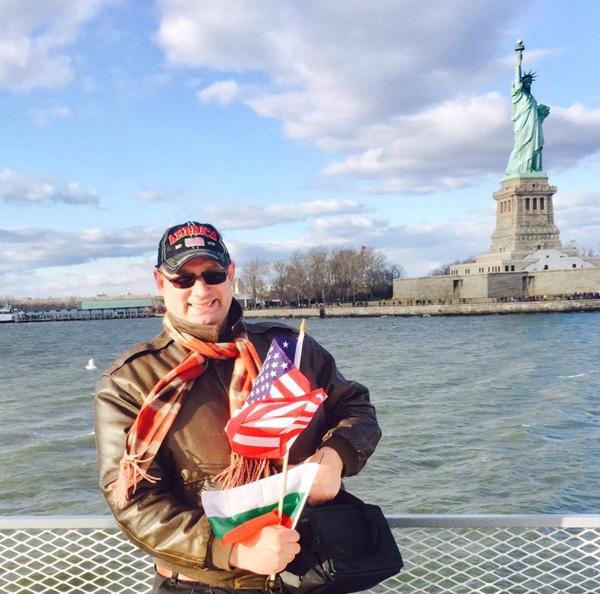 Кирил Кафозов в Америка
