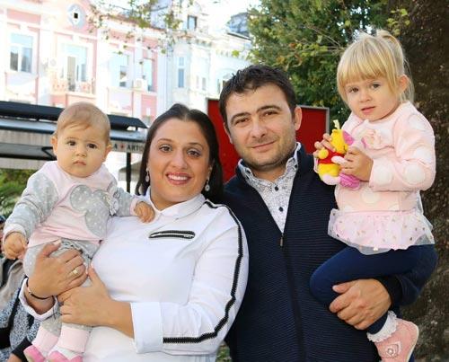 семейство с две деца
