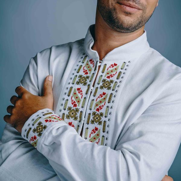 Бяла мъжка риза