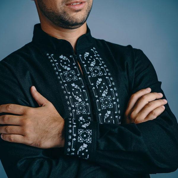 Черна риза с шевици