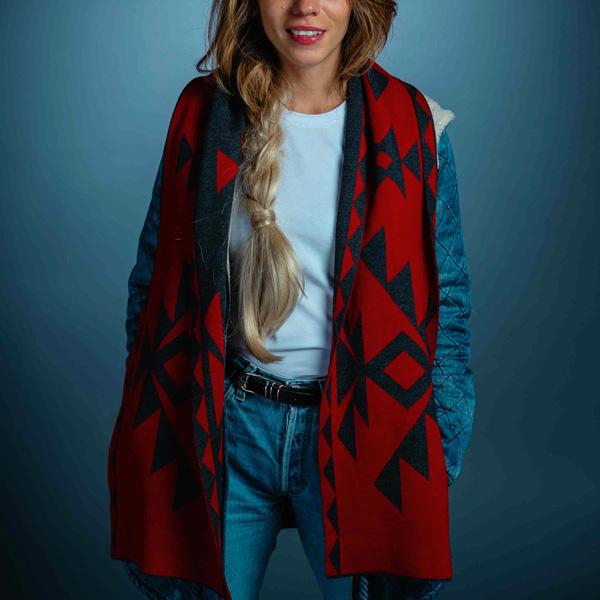 Червен шал за жена